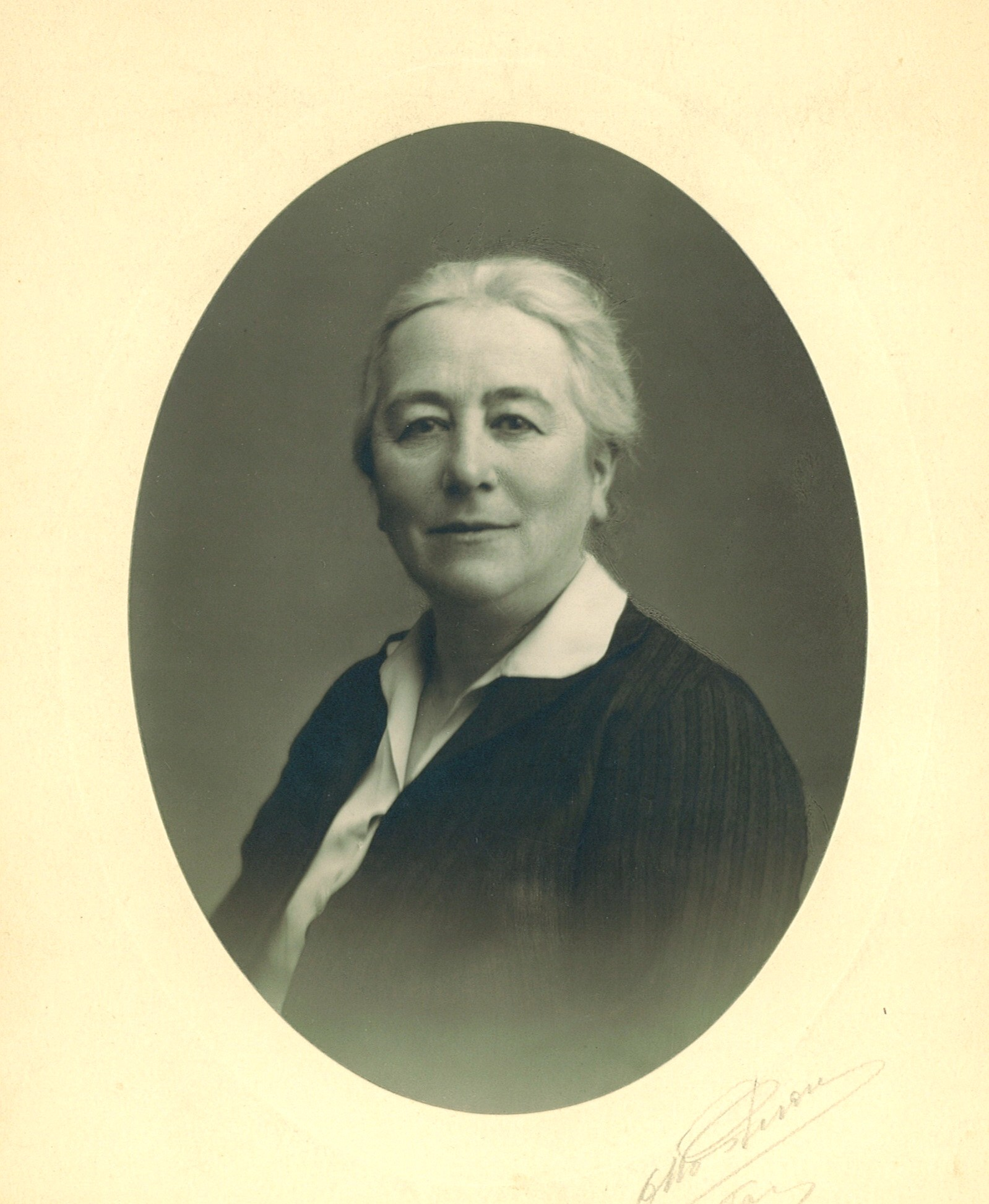 Marie-Jeanne Bassot Fondatrice de La Résidence Sociale 1878 - 1935